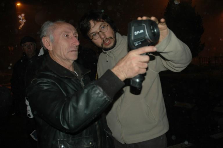 Caméra infrarouge au poing dans les rues de Theys