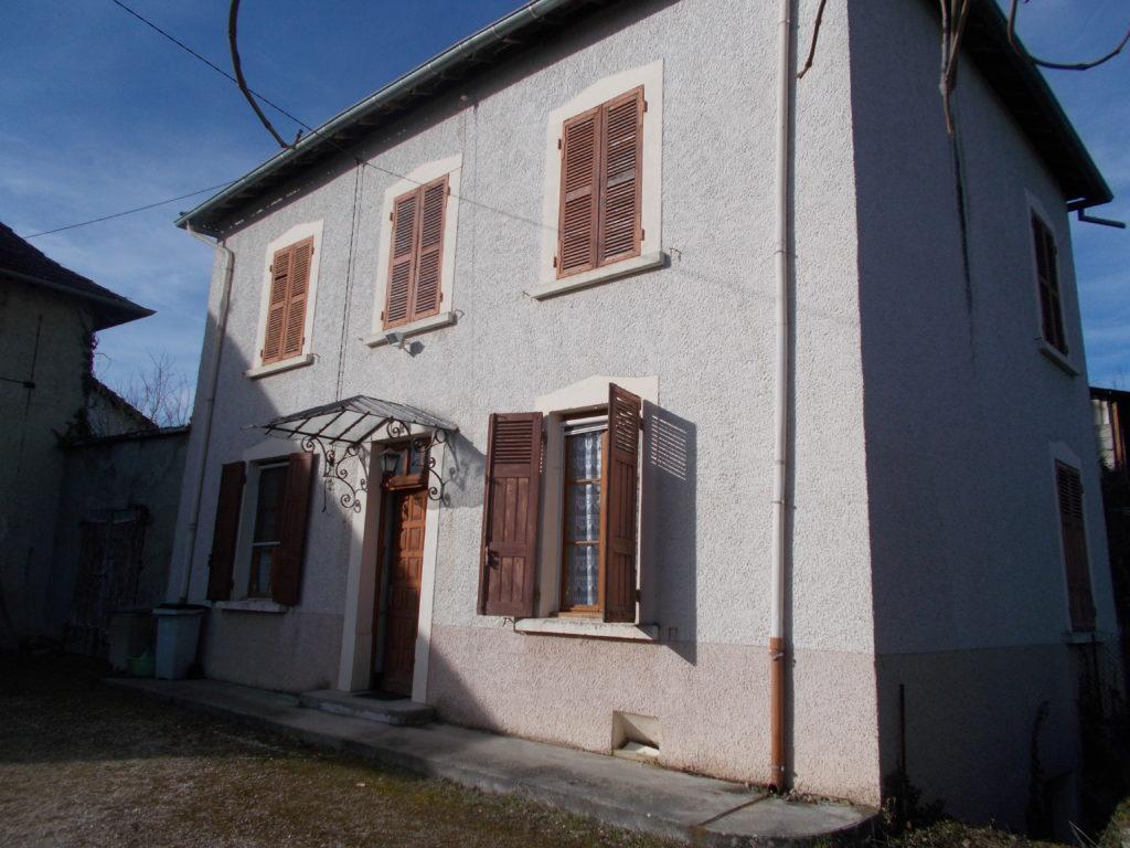 Visite d'une maison rénovée en pisé à la Bâtie-Montgascon